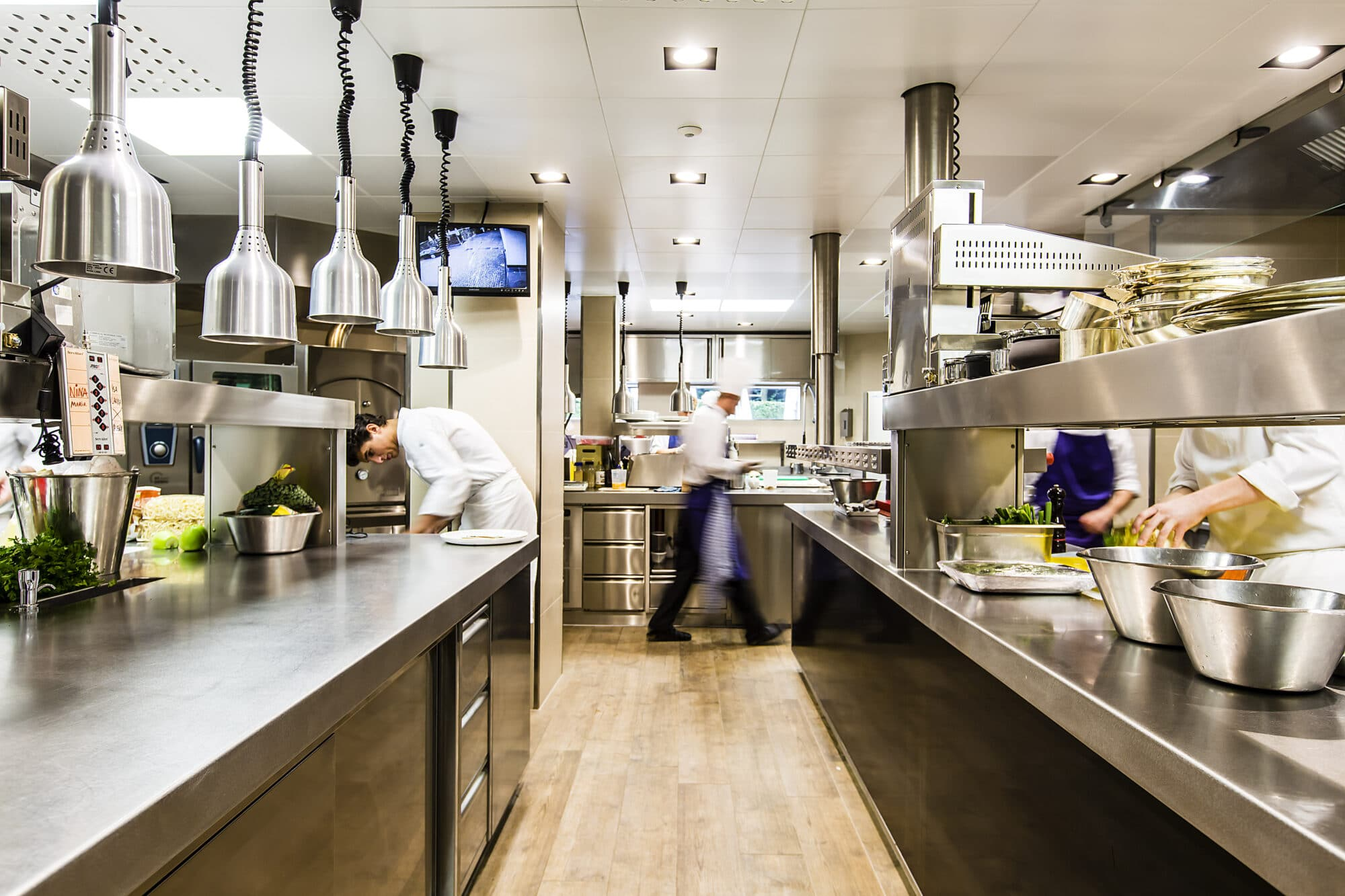 Cleaning in food environments